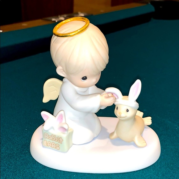 Precious Moments Special 1999 Easter Seals symbol